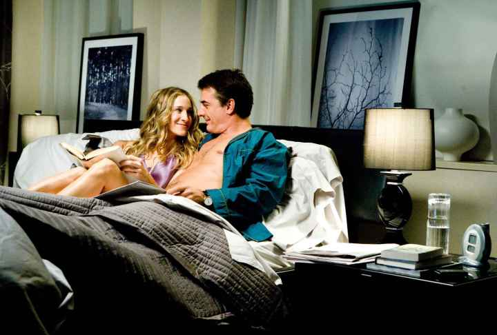 Mr-Big-Sleeps-on-ANICHINI-sheets-sex-and-the-city-bed